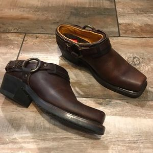Frye - Harness Belted Boots (6.5M)